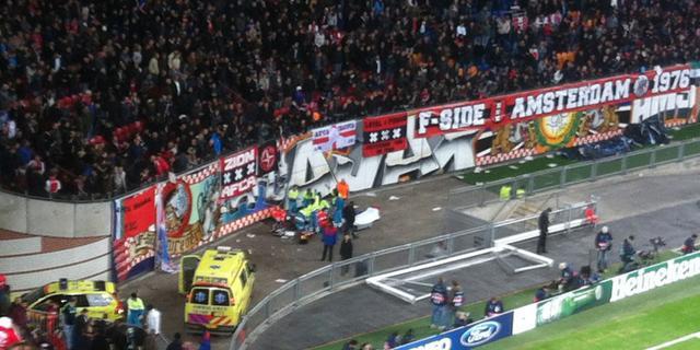 Arena onderzoekt incident gevallen Ajax-supporter