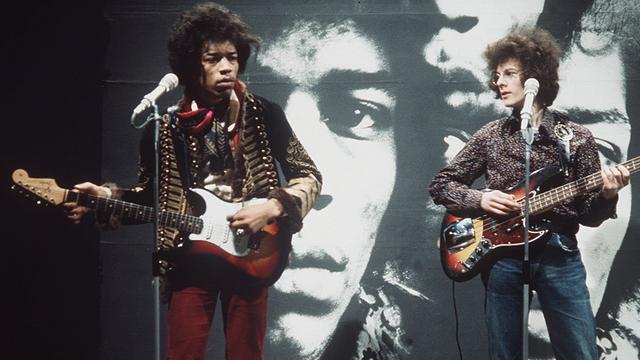 Gitaar van Jimi Hendrix geveild voor 183.000 euro