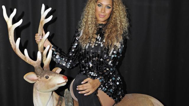 Leona Lewis treedt op bij kerstboom New York