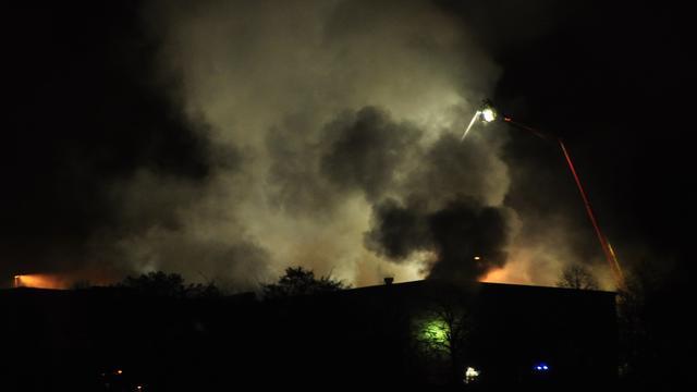 Grote brand bij papieropslag in Renkum