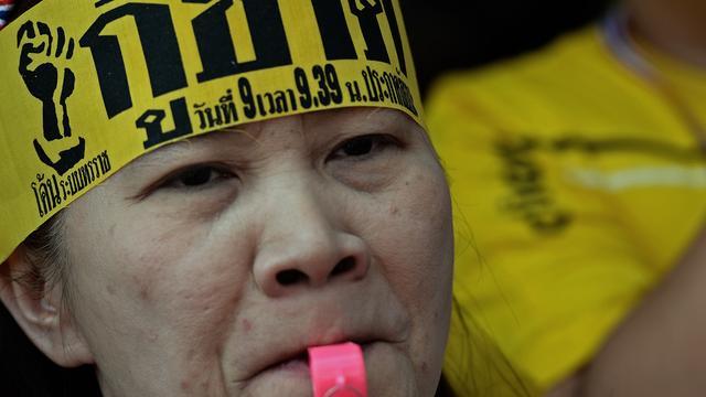 Leger Thailand ontmoet oppositieleider