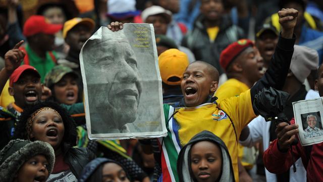 LIVEBLOG: Rumoerige herdenking Nelson Mandela (gesloten)