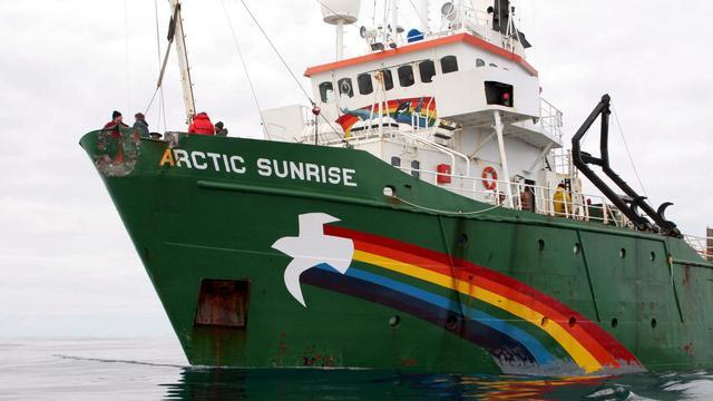 Greenpeace ontvangt 2,7 miljoen euro na entering schip door Rusland