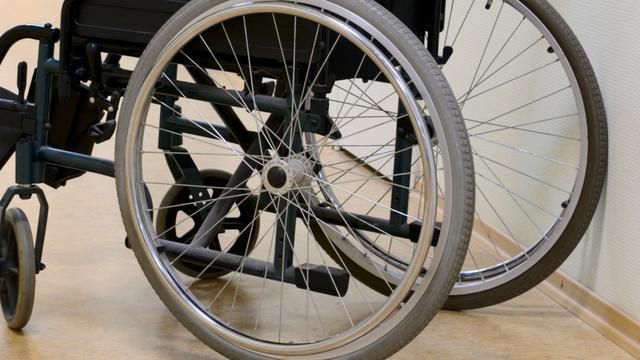 Politie houdt dronken rolstoeler aan