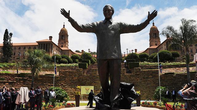 Standbeeld Mandela in Pretoria onthuld