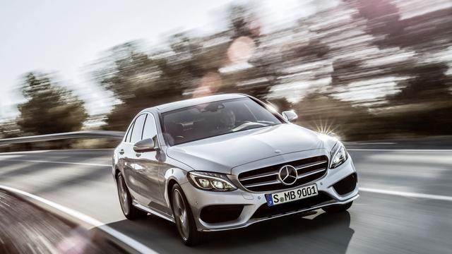 Mercedes onthult C-klasse officieel