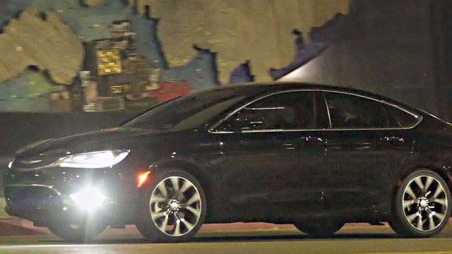Volgende generatie Chrysler 200 is ongecamoufleerd gespot