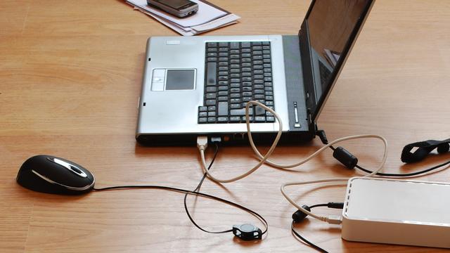 Universele laptopoplader moet elektronisch afval verminderen