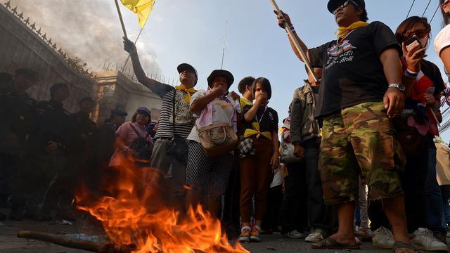 Thaise politie vuurt bij protesten