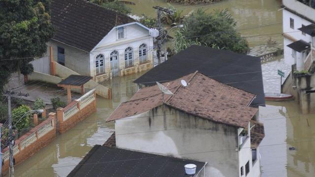 Leger Brazilië rukt uit voor watersnoodslachtoffers