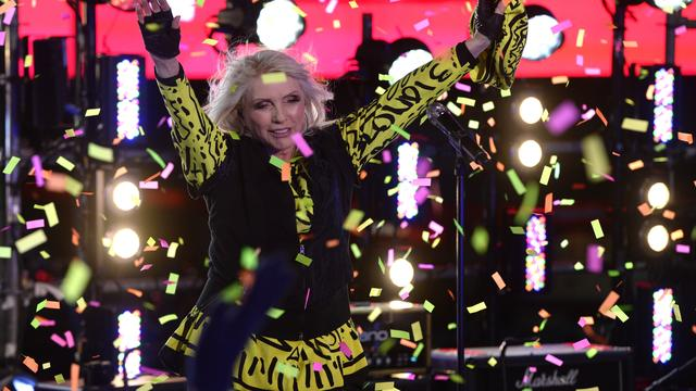 NME Awards eert Blondie met Godlike Genius Award