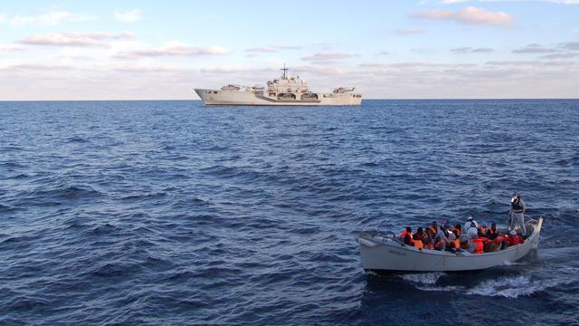 Italiaanse marine redt 2500 bootvluchtelingen