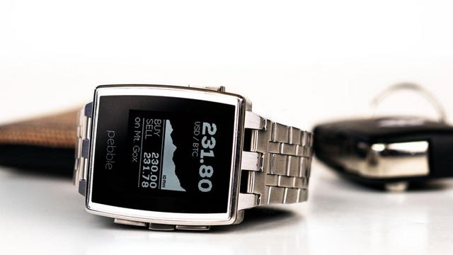 Pebble komt met metalen smartwatch