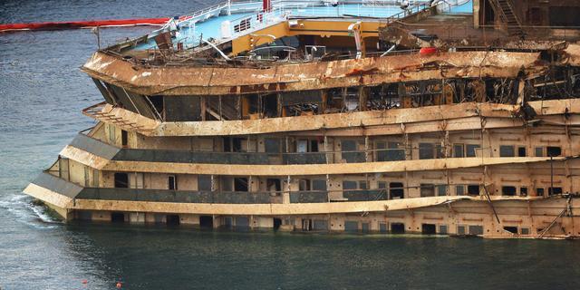 Overlevenden herdenken ongeluk Costa Concordia