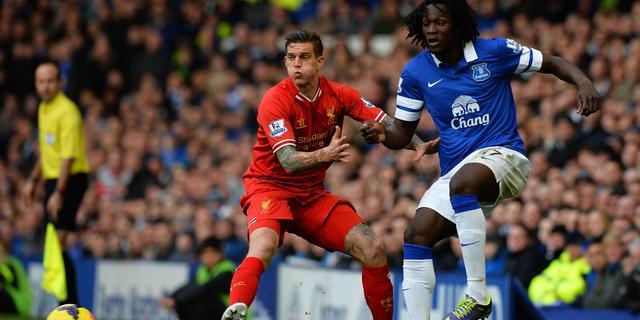 Liverpool moet verdediger Agger maand missen