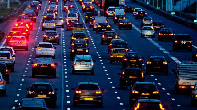 'Onverlichte snelweg kost juist veel geld'