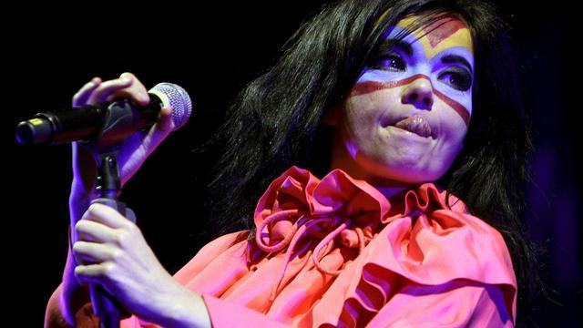 Björk werkt samen met Britse producer Haxan Cloak aan nieuwe plaat