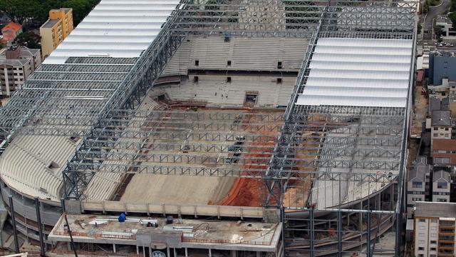 FIFA legt WK-stad Curitiba ultimatum op