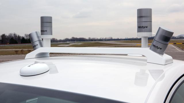 Ford laat zelfrijdende auto in toekomst kijken