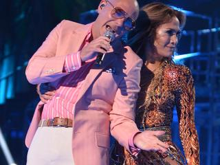 Pitbull en Jennifer Lopez zingen samen met Braziliaanse Claudia Leitte WK-nummer