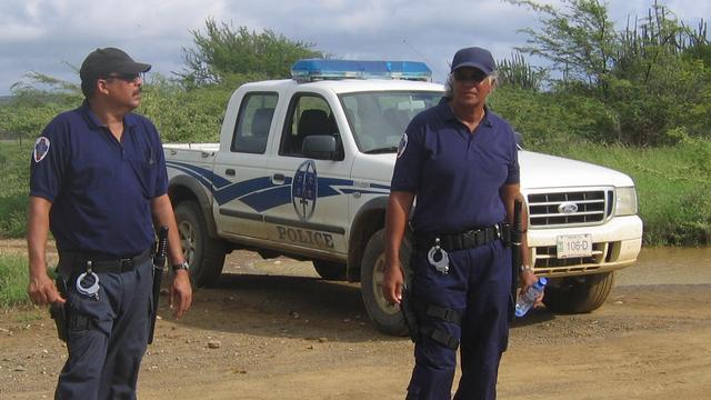 OM Bonaire looft beloning uit voor tip over moordenaar agent