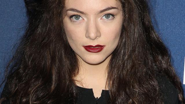 Lorde krijgt eigen make-uplijn