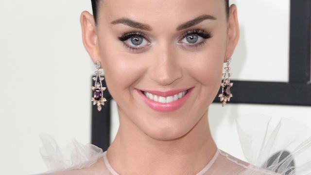 Videoclip Katy Perry aangepast na klachten blasfemie