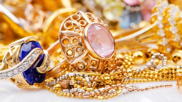 Celstraf geëist tegen goud-inkoper wegens betrokkenheid bij sieradendiefstal