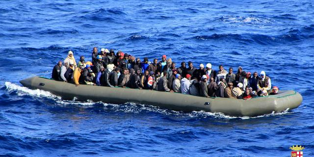 Grieken redden 24 migranten voor de Turkse kust