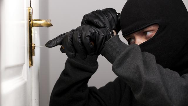 Politie betrapt man (32) met inbrekersgereedschap