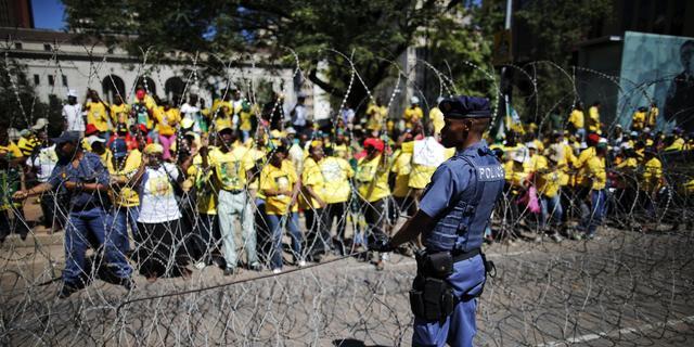Politie Zuid-Afrika beschiet demonstranten