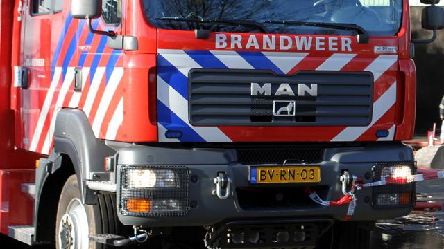 Brand na explosie in loods jachthaven Leeuwarden