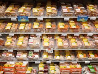 'Albert Heijn en Jumbo voeren een vleesoorlog om klanten van elkaar weg te kapen'