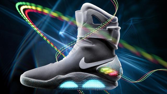 Nike komt met zelf-strikkende schoenen