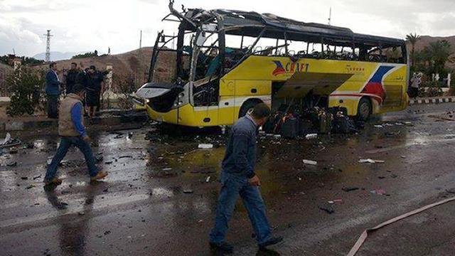 Vier doden explosie Zuid-Koreaanse toeristenbus Egypte