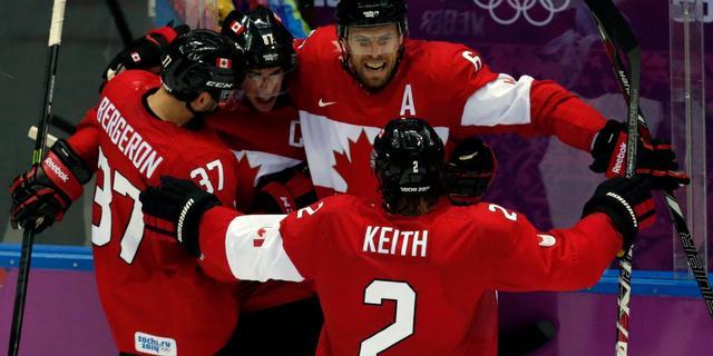 Canadese ijshockeyers veroveren goud na winst op Zweden