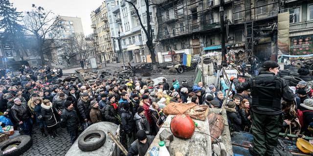 Kiev ruimt barricades op