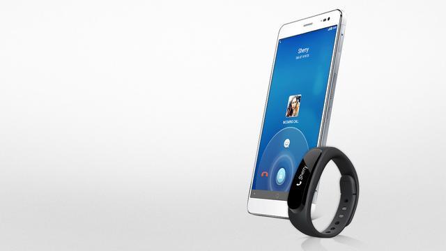 Huawei onthult twee phablets en een smartphone