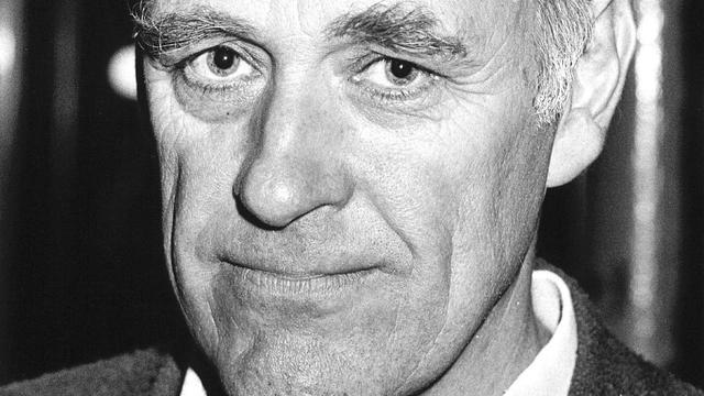 Hugo Brandt Corstius: taalgoochelaar en criticaster