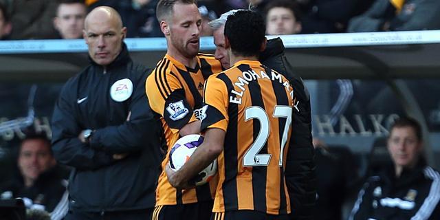 Rood Newcastle-manager Pardew na kopstoot tegen speler