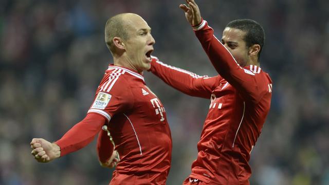Drie treffers Robben tegen Schalke, Arsenal onderuit