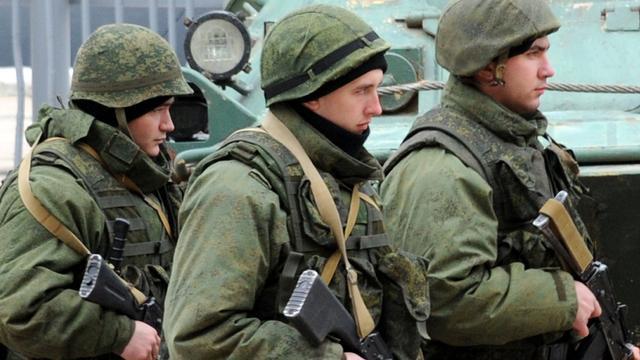 'Russische pantserwagens staan klaar buiten Krim'