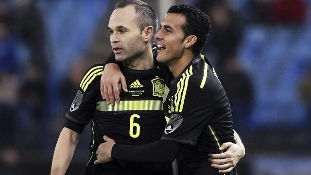 Pedro helpt Spanje aan zege, Duitsland langs goed Chili