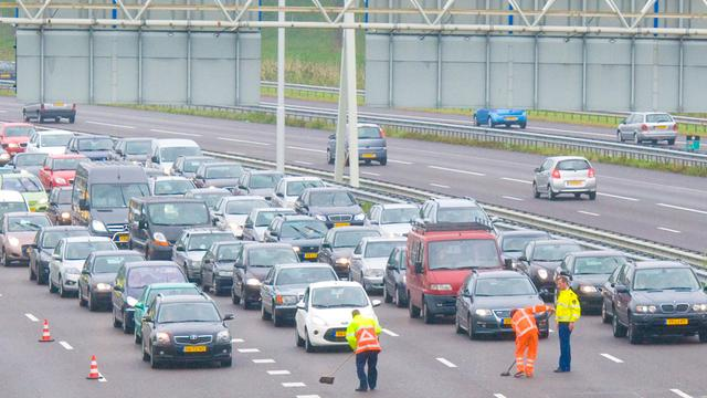 Tot half juni verkeershinder op A16