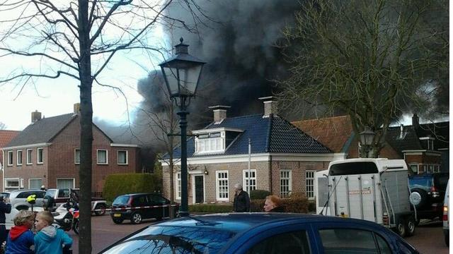 Grote brand in garagebedrijf Rottevalle