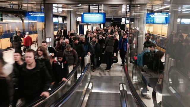 Wisselstoring hindert treinverkeer rond Schiphol enkele uren