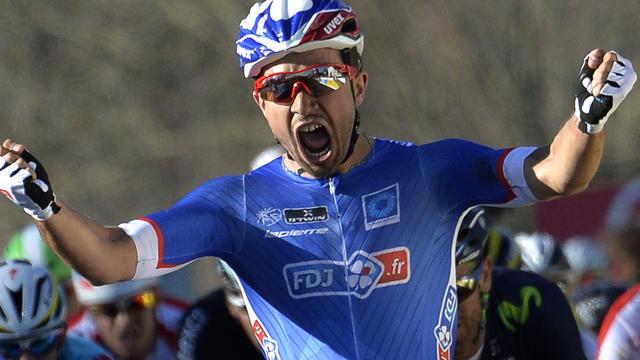 Bouhanni sprint naar zege in eerste etappe Parijs-Nice