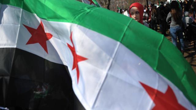 'Verzet Syrië vlucht uit bolwerk aan grens'