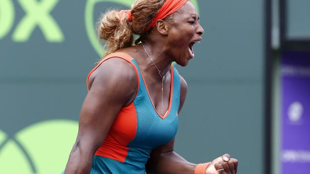 Serena Williams met veel moeite verder in Miami