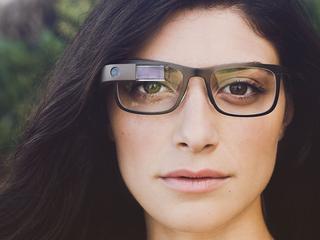 Glass-bedenker wil hersenfuncties 'uitbesteden'